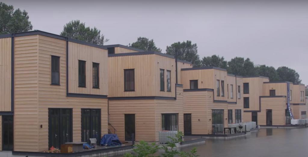 Video: eerste straat met duurzame waterwoningen in de Nassauhaven